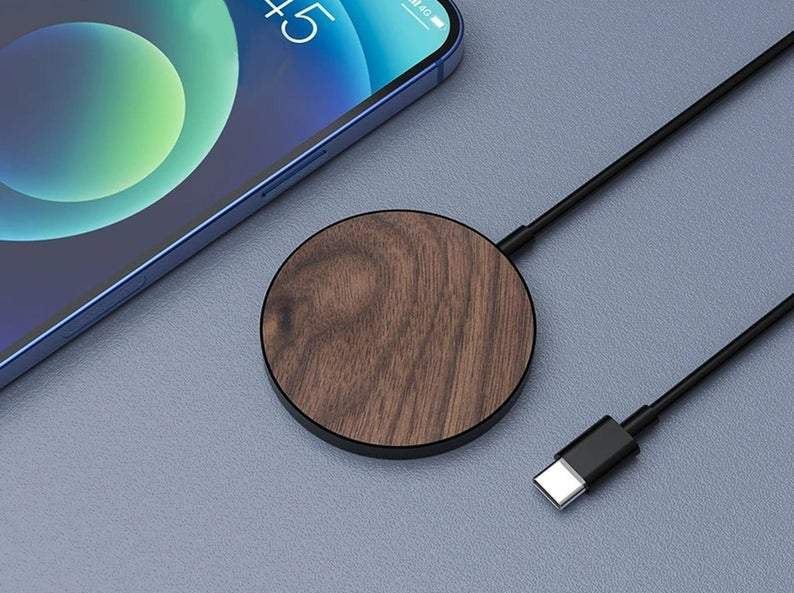 Limited77 MagSafe Wood Charger