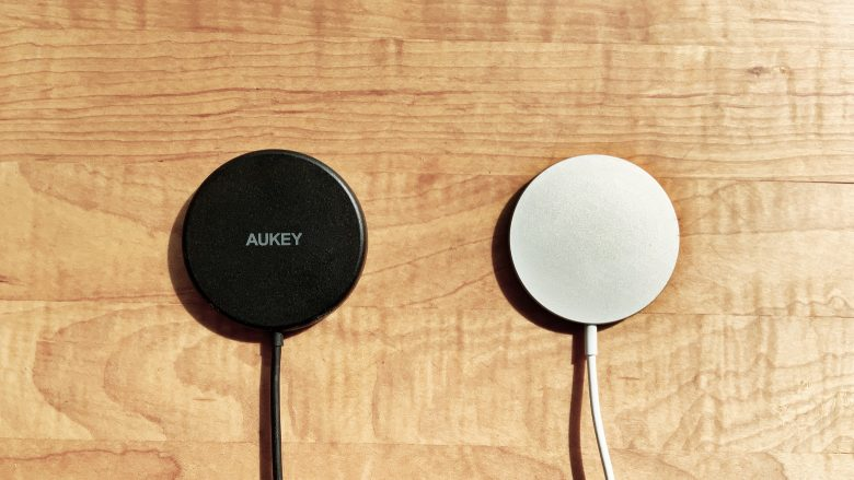 Aukey Aircore 15W with Apple MagSafe Charger
