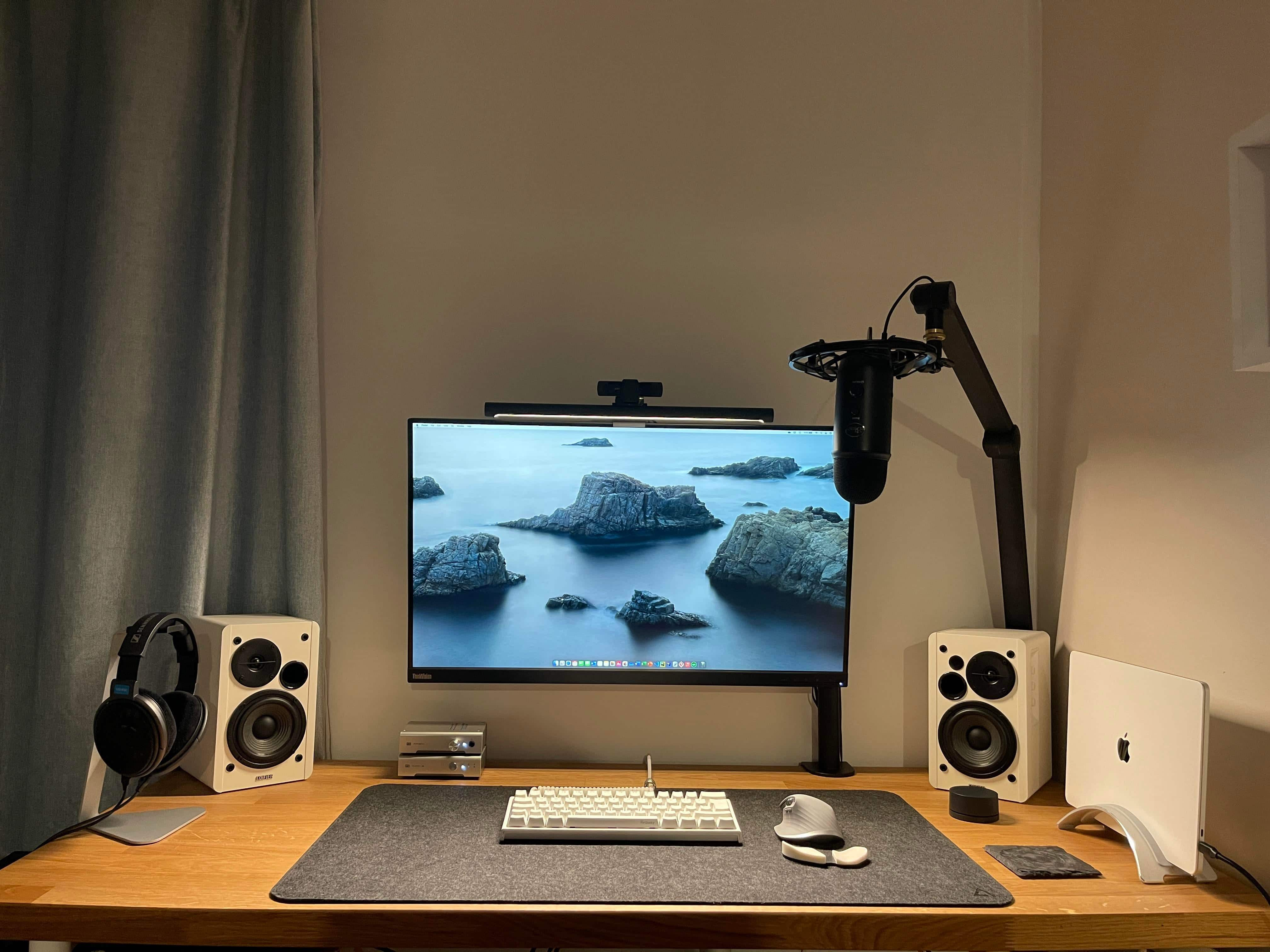 Computer science student's M1 rig is a pile of Schiit [Setups]