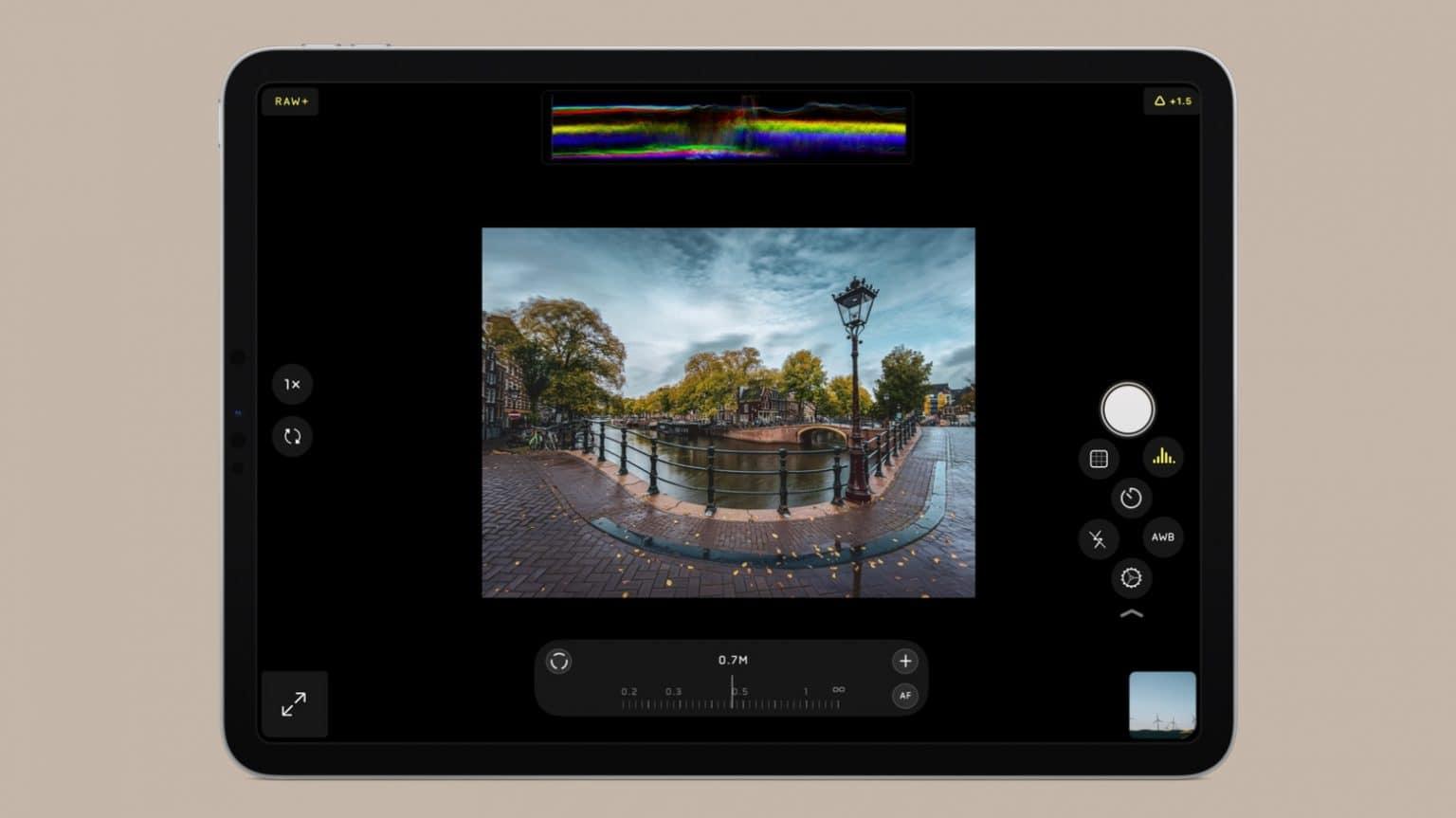 Halide Mark II is available for iPad users too.