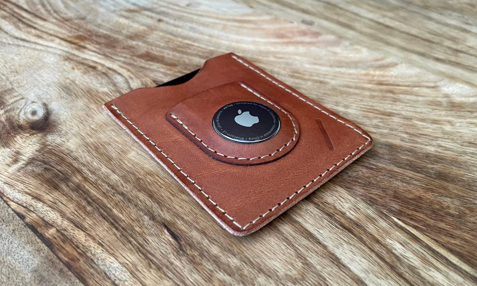 Snapback Slim Air: a quality AirTag wallet.
