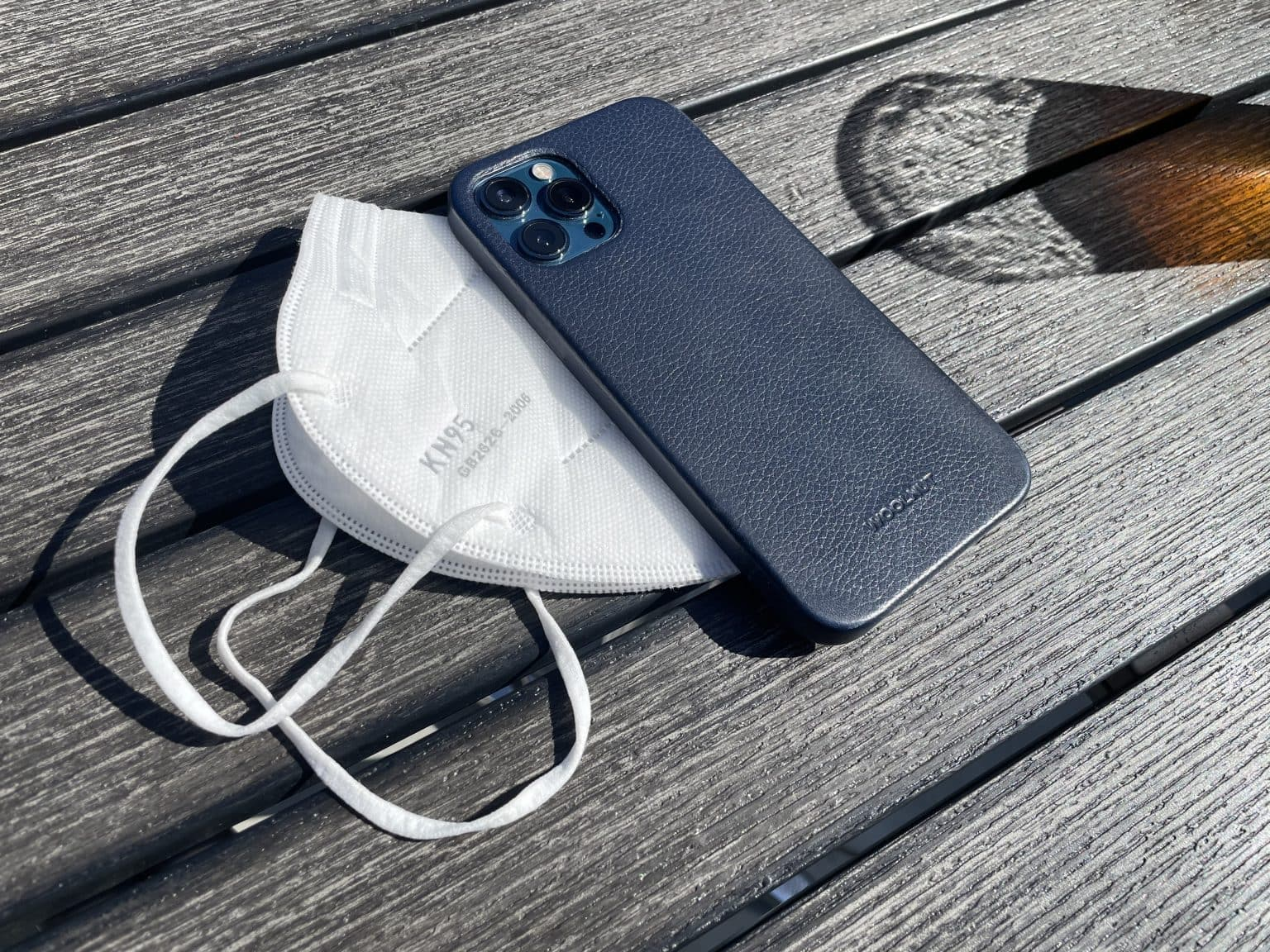 Woolnut iPhone 12 Pro Max leather case review: Blue to the max!