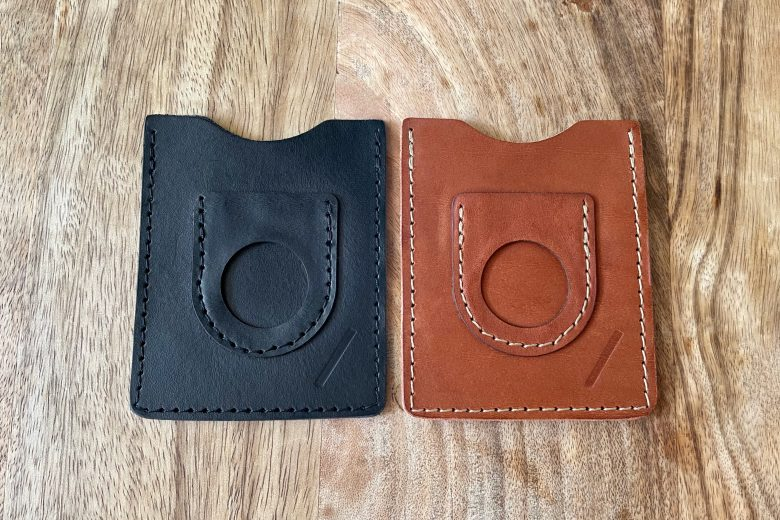 Snapback Slim Air: This AirTag wallet comes in two color options, black and brown.