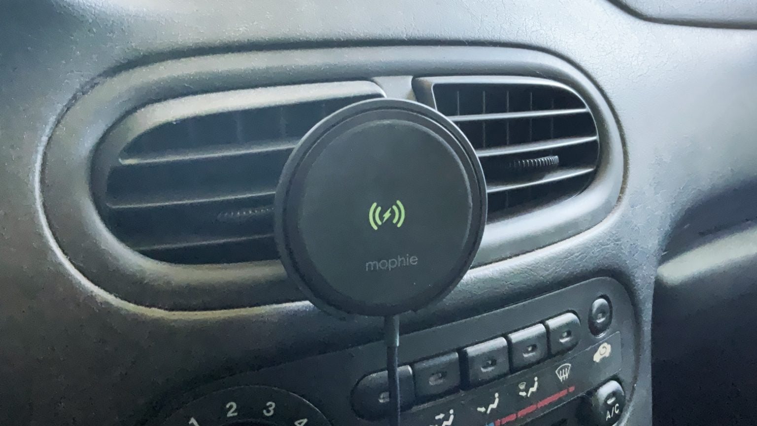Mophie Snap+ Wireless Vent Mount reviews