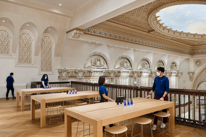 Apple Tower Theatre: The theater's original balcony seating has been modernized and made accessible, creating an open, flexible space for Genius Bar appointments.
