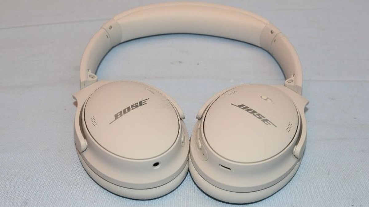 The Bose QuietComfort 45s look like 35s on the outside, but audio and Bluetooth improvements are expected on the inside.