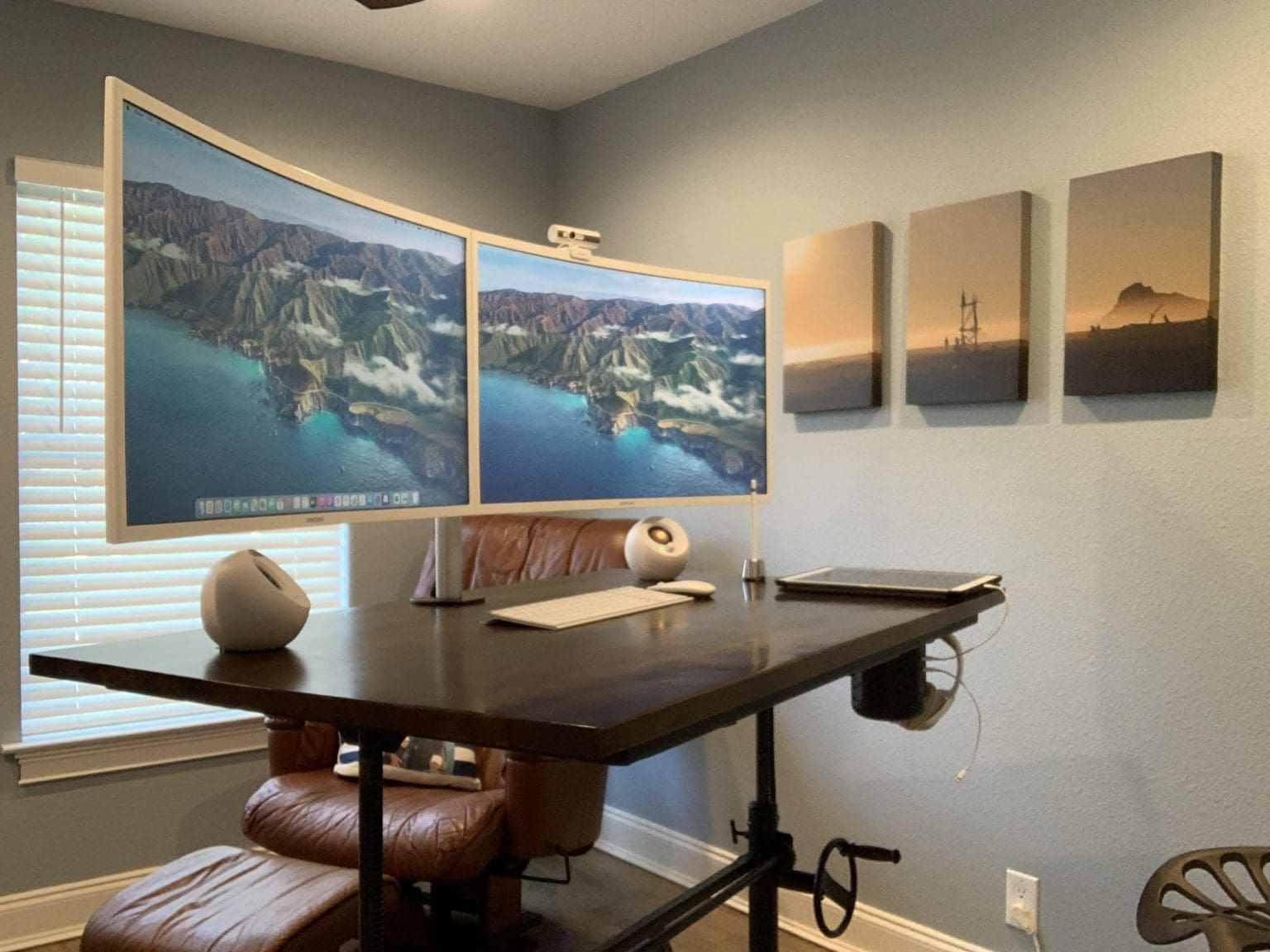 Chris Reed's dual-monitor M1 MacBook Pro setup was a long time in the making.