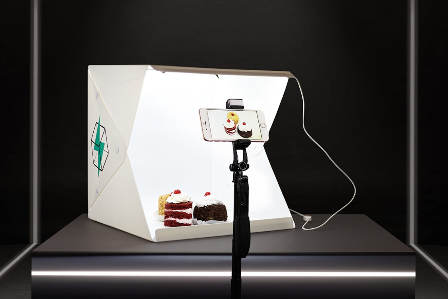 Take amazing product photos with this portable studio.