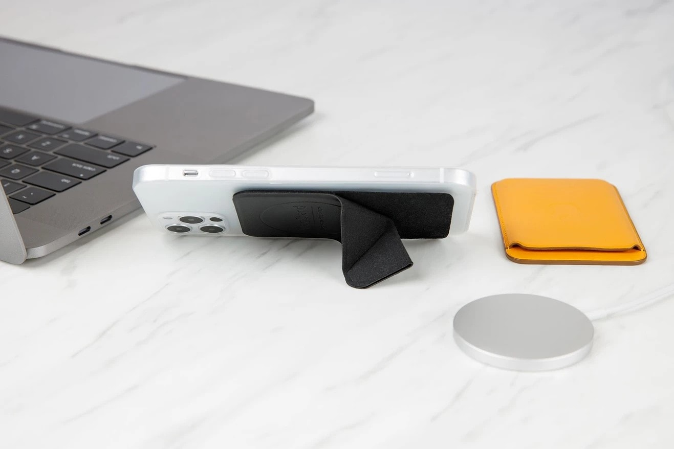 MagStand for iPhone