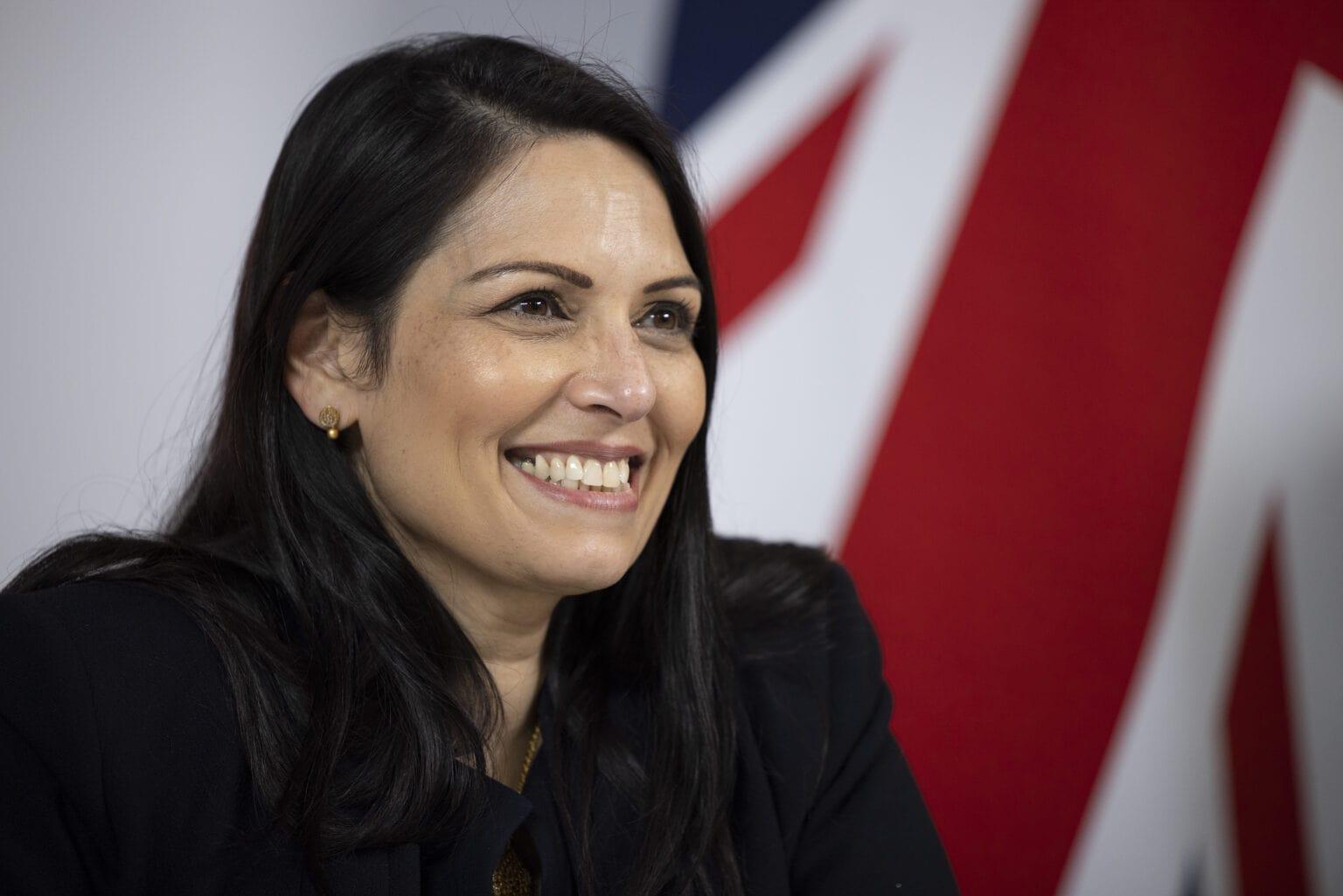 UK backs Apple CSAM plan