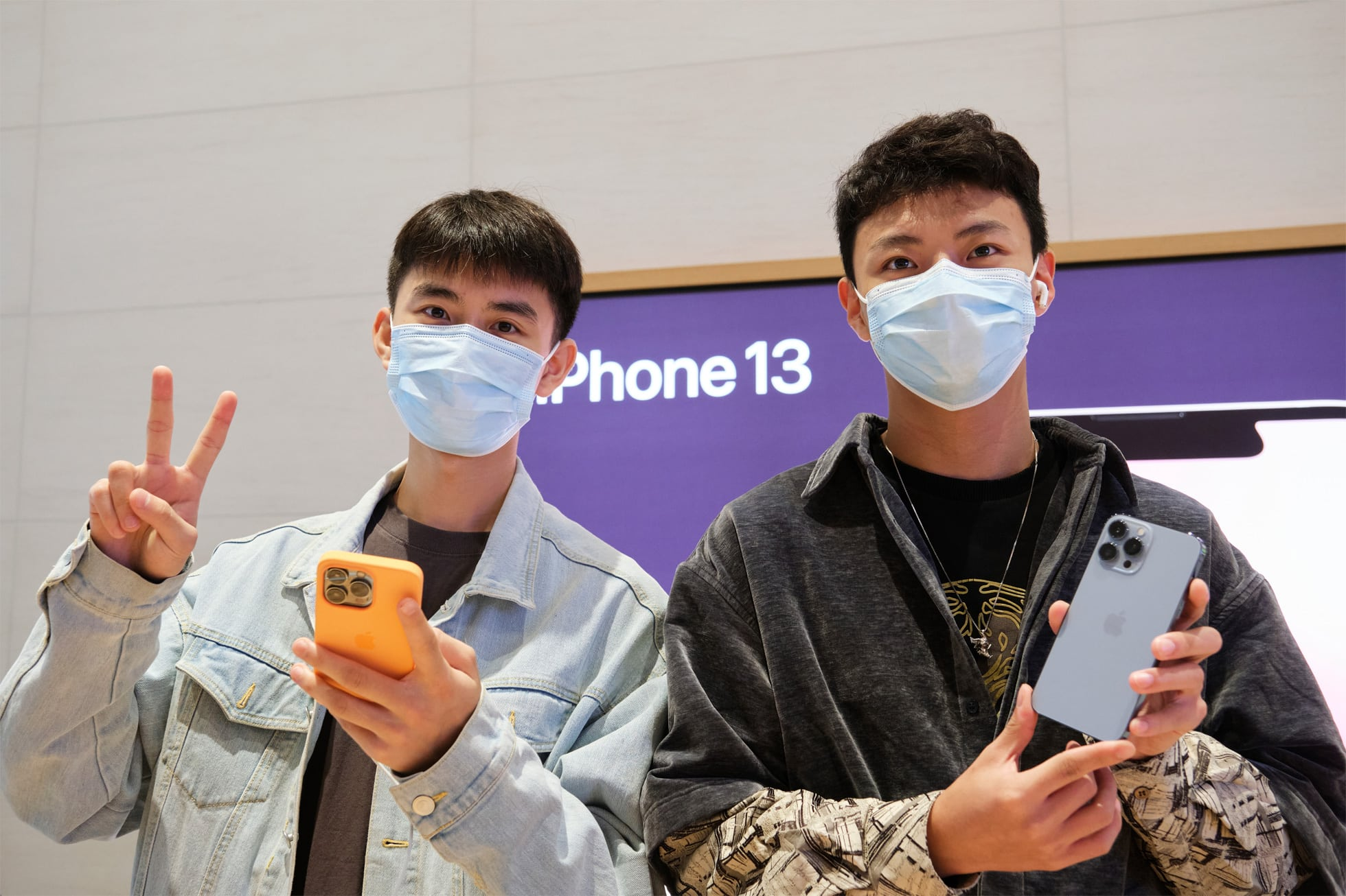 iPhone 13 and new iPads hit the Apple Store: Time to celebrate.