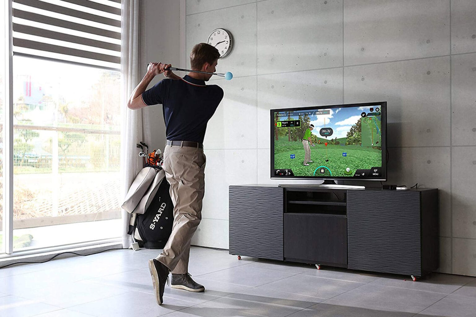 Improve your golf swing with this virtual simulator.