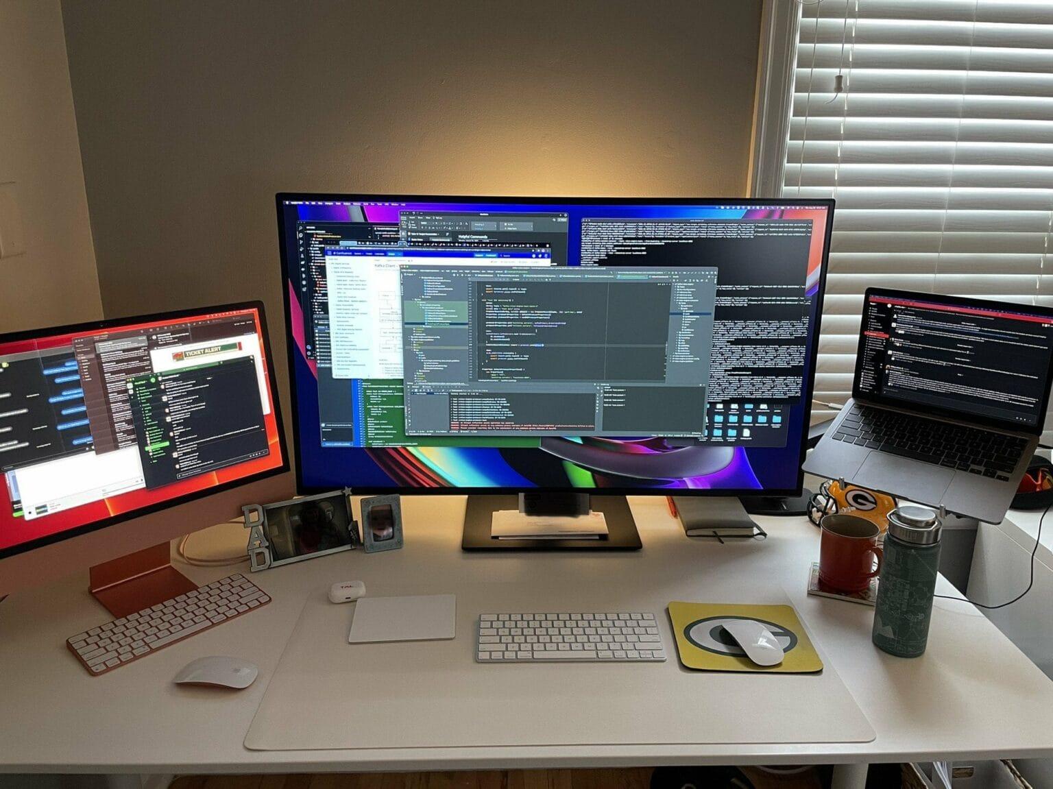 iMac and MacBook Pro, check. Massive display, check. Le Creuset mug, check.