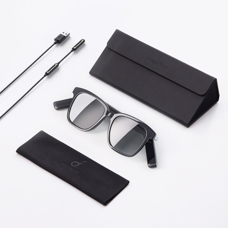 Soundcore Frames come with a specialized magnetic charger that attaches to the audio glasses' arms.