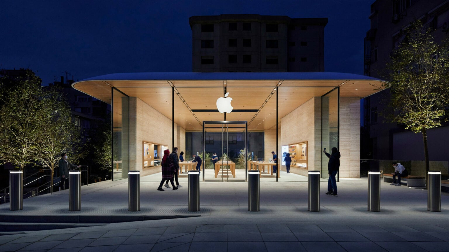 Apple Bağdat Caddesi opens as Apple's third retail location in Turkey, situated in Istanbul.